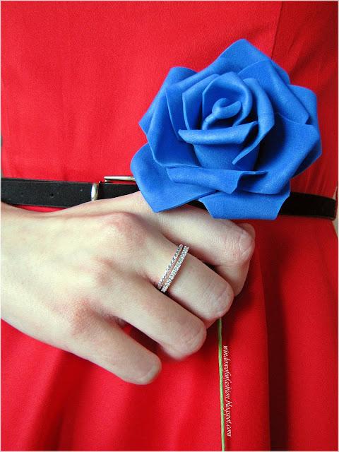 Pierścionki H&M, niebieski kwiat