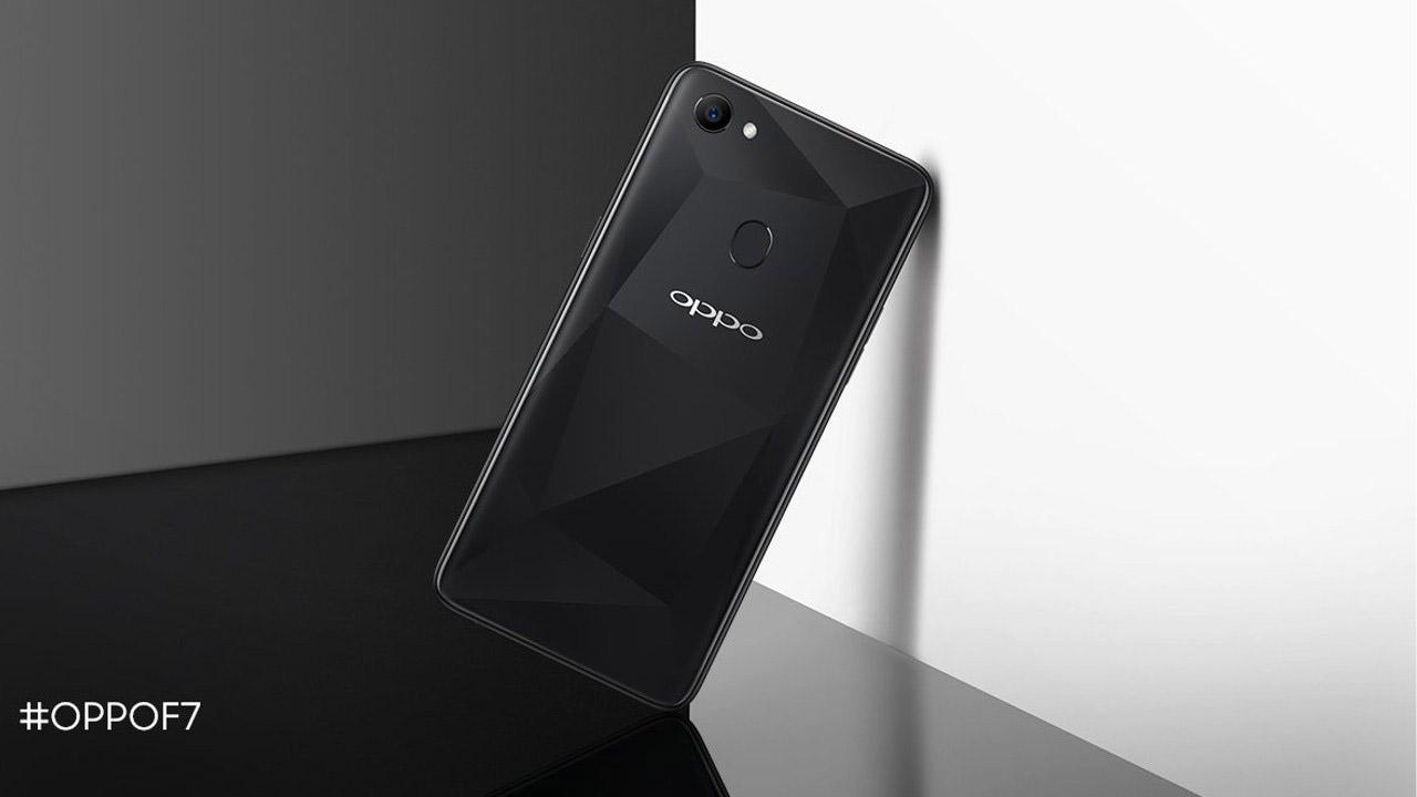OPPO F7 Kini Memiliki Varian Warna Diamond Black