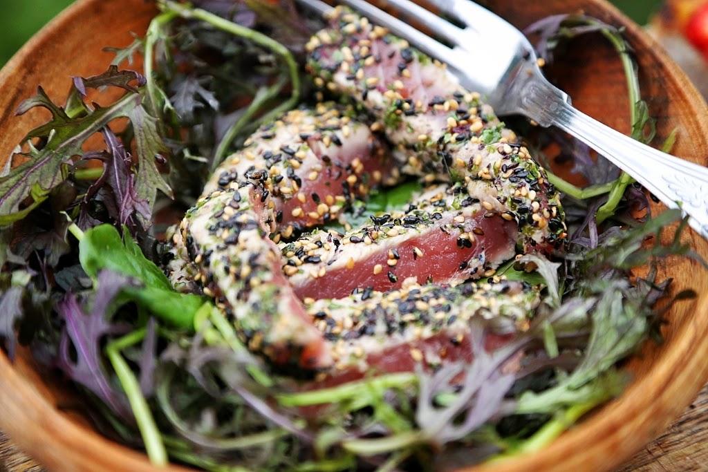 seared sesame tuna salad
