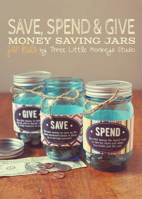 Money Saving Jars. Foto: Three Little Monkeys Studio