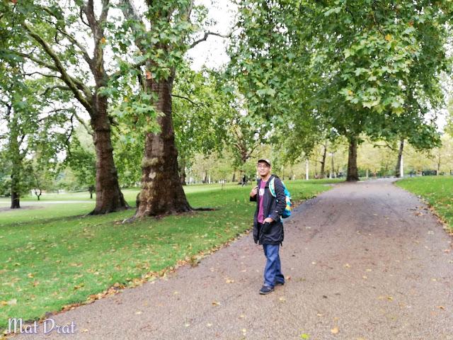 The Mall Buckingham Palace St James Park