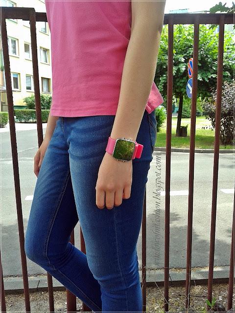 Różowy zegarek LED z lusterkiem