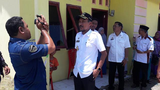 Danrem 142 Tatag Dampingi Cakka Serahkan Rumah ke Nelayan