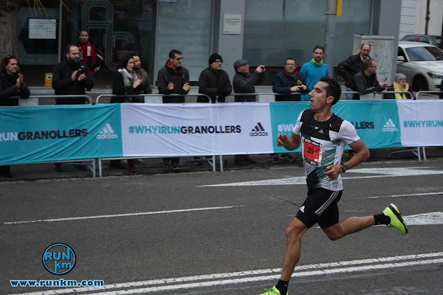 Arturo Casado vence la 10K de la Mitja Granollers 2016