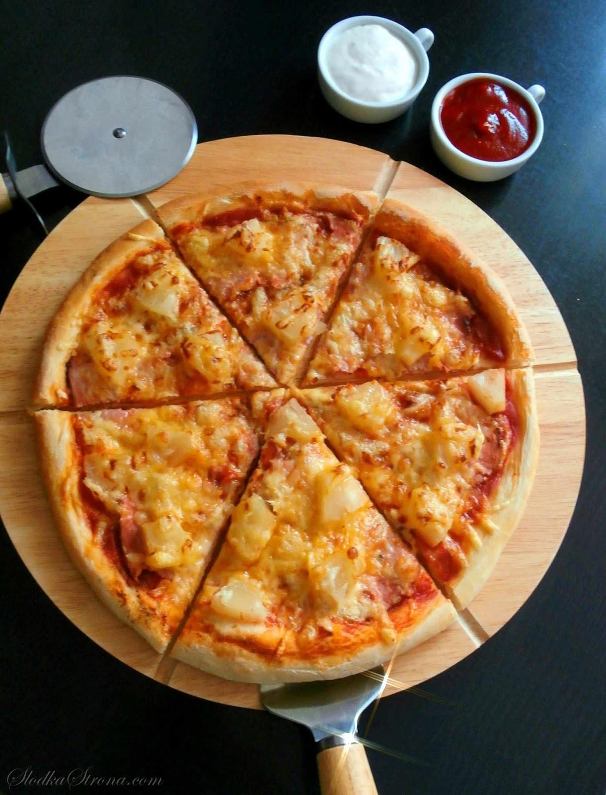 Domowa Pizza Hawajska - Przepis - Słodka Strona