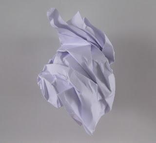 τσαλακωμένο χαρτί