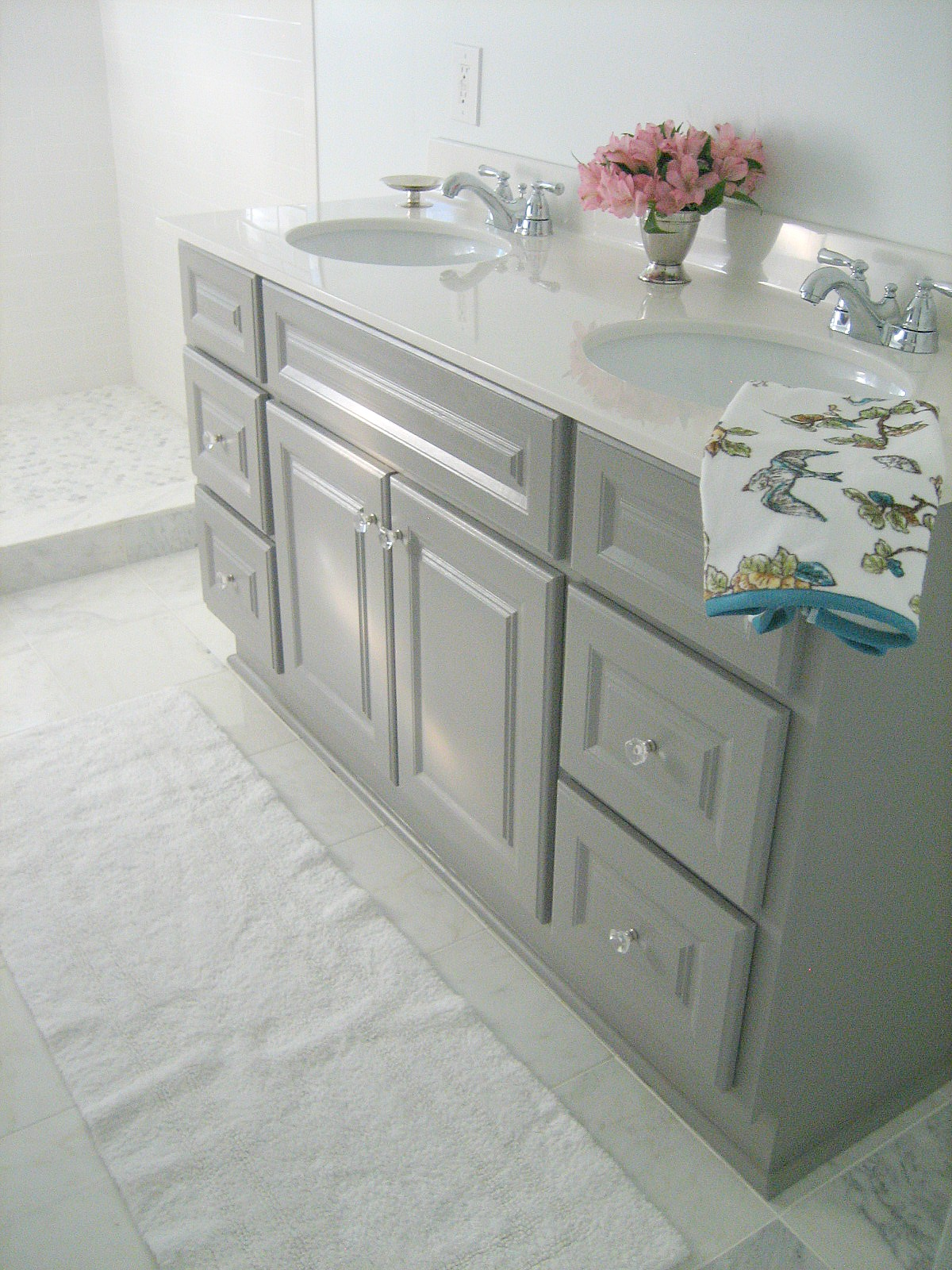 Ten June: {DIY} Custom Bathroom Vanity