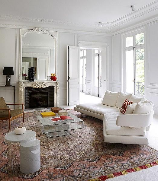 A Mordern Parisian Apartment