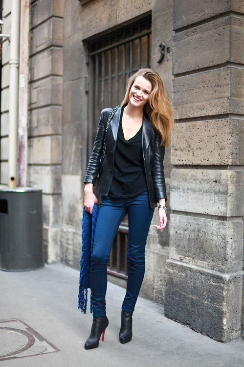 Street Style Edita Vilkeviciute The Front Row View