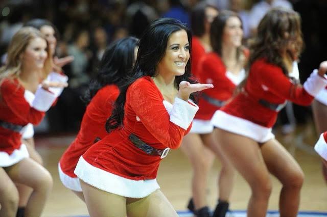 Les cheerleaders des Ppistons vous souhaitent un Joyeux Noel