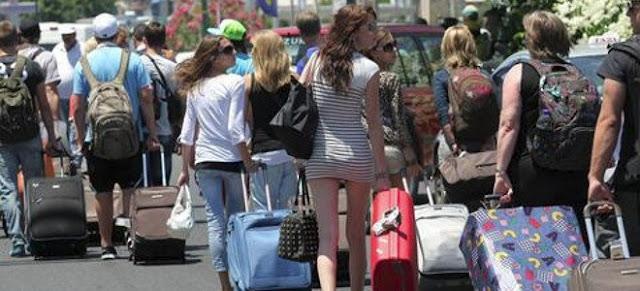 Βουτιά στις αφίξεις Ρώσων, Ουκρανών τουριστών σε Ρόδο και Κρήτη