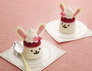 panna cotta creativa a forma di coniglio