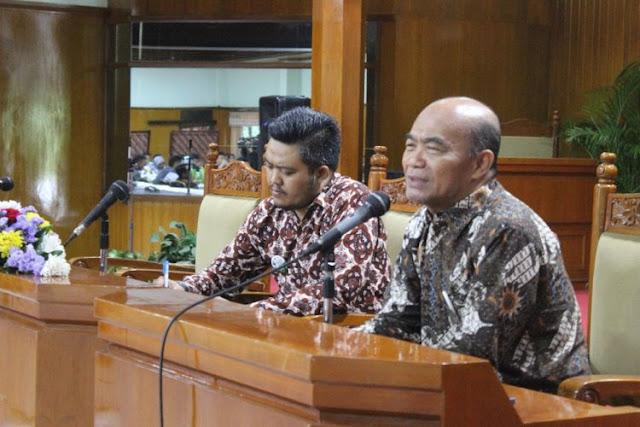 News Update : Honorer Akan Diangkat PNS Tanpa Tes, Sesuai Revisi UU ASN