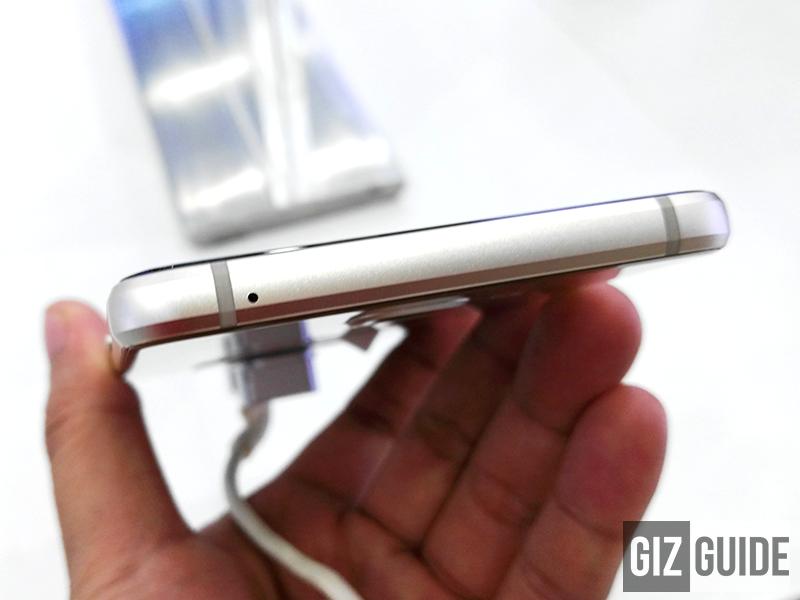 Samsung Galaxy A5 2016 top