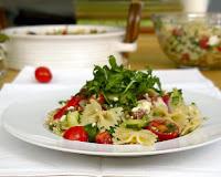 Μακαρονοσαλάτα μεσογειακή με πεταλούδες & λαχανικά - by https://syntages-faghtwn.blogspot.gr