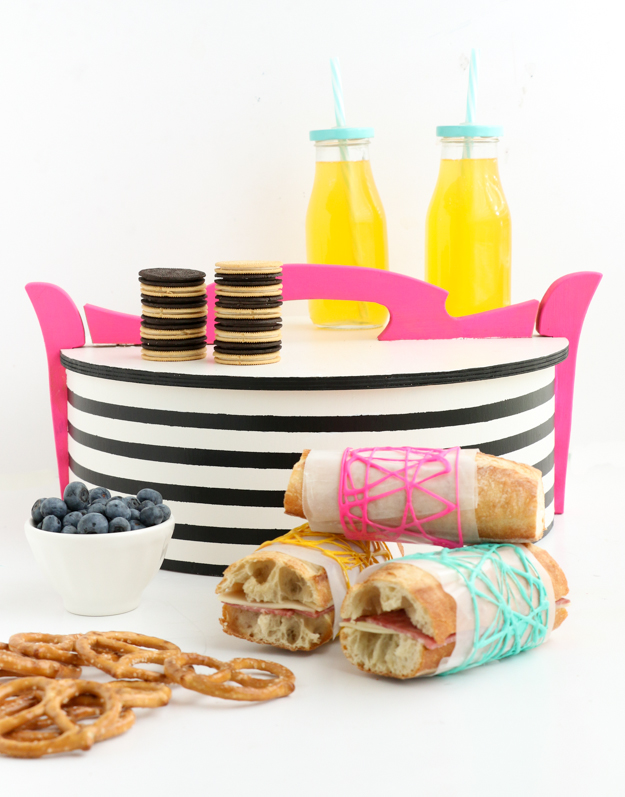 #ad #newOREOThins - DIY a colorful picnic basket for summer inspired by the new OREO THINS - Summer craft idea - modern picnic basket - America's favorite cookie - Easy DIY or Craft