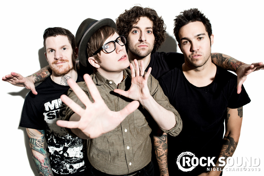 Mania Wallpaper Fall Out Boy Fotos Fall Out Boy Photoshoot Rocksound Fall Out Boy