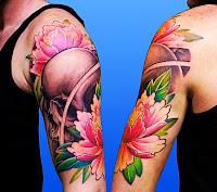 idei tatuaj craniu si floare