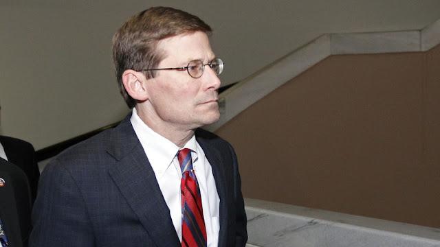 """Exdirector de la CIA: EE.UU. debería asesinar rusos e iraníes en Siria """"de forma encubierta"""""""