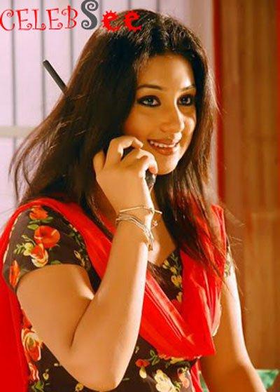 Sensational Bangla Flim Actress Apu Biswas  CelebSee
