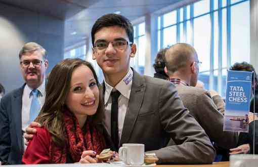 Après sa victoire hier face à Kramnik et la veille face à Hou Yifan, le Néerlandais Anish Giri pointe en tête du Master au Masters du Tata Steel 2018 avec le score parfait de 2 points sur 2 - Photo ©  Alina L'Ami