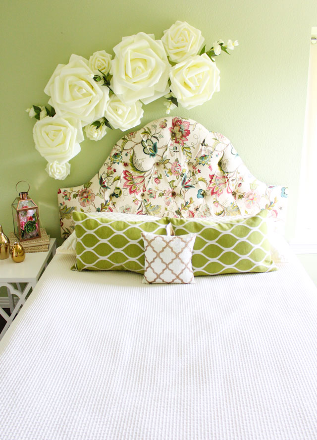 Give Your Bedroom A Spring Update With This Floral Wall Decor!