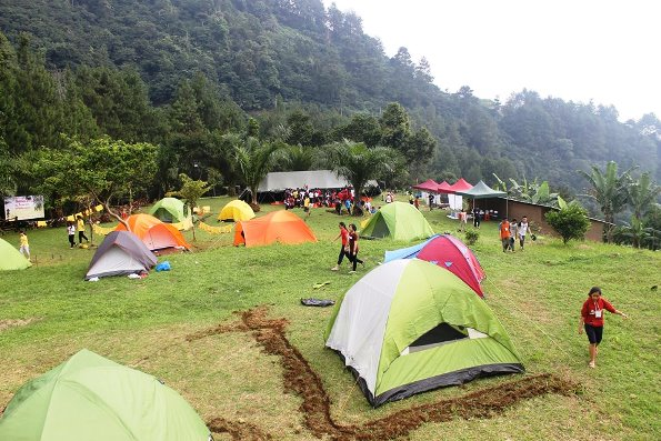 Di Tempat Camping Puncak