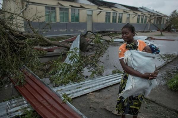 Tim Penyelamat Berpacu dengan Waktu Selamatkan Korban Badai Idai