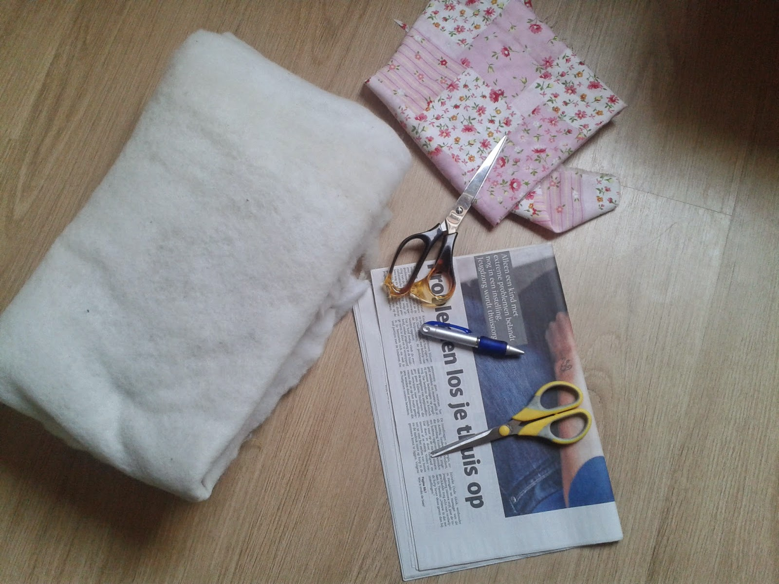 2014 04 03+17.15.31 - Travel pillow maken!