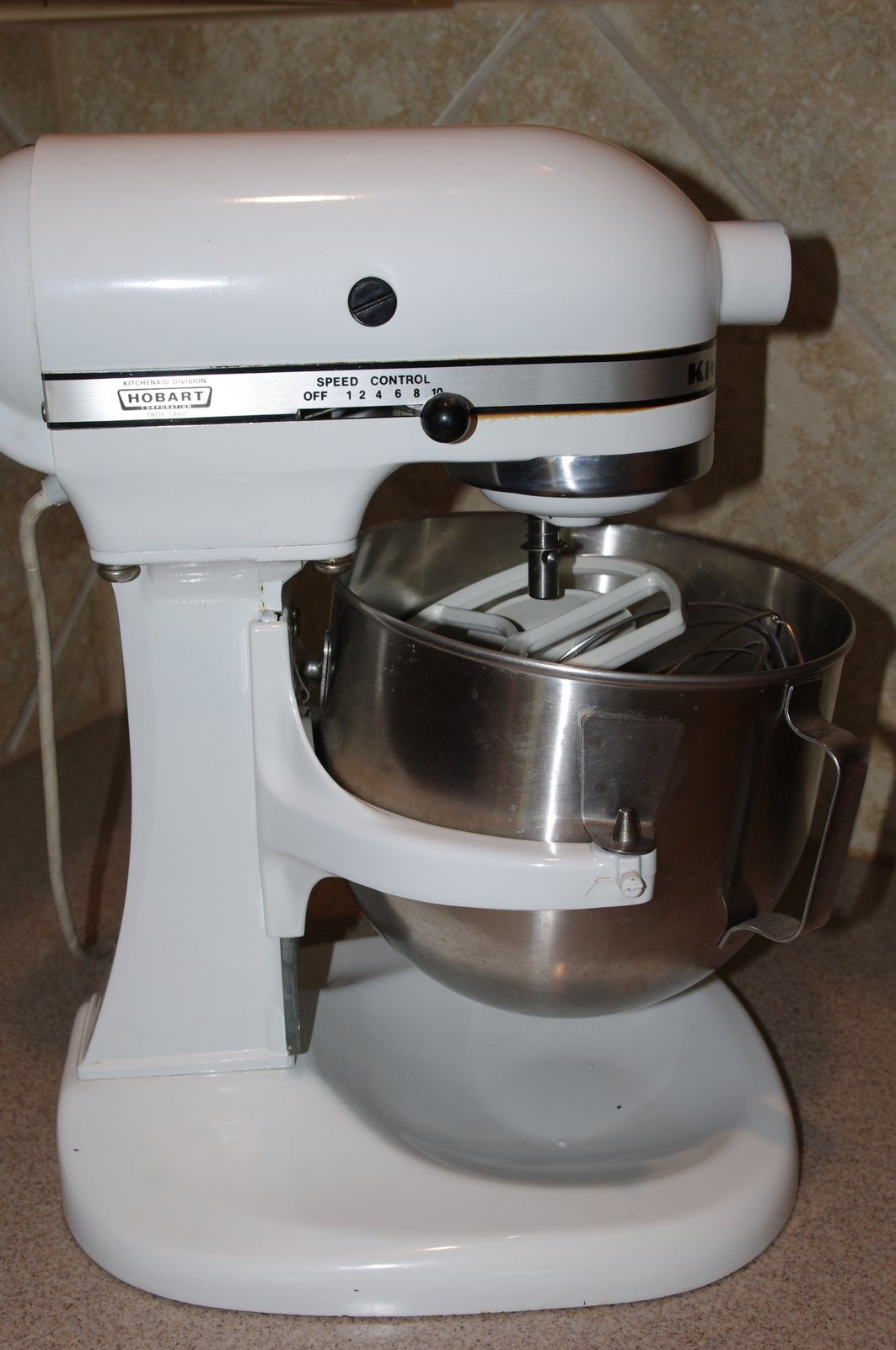 K Kitchen Aid Bowl
