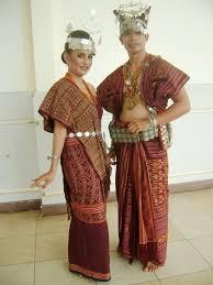 Nama-Pakaian-Adat-Tradisional-Sulawesi-Tengah