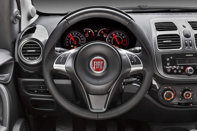 Fiat Palio 2017 - interior - painel