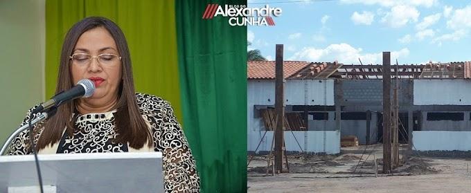 Prefeita/professora Vanderly Monteles menospreza classe da educação e aplica recursos de Precatórios do FUNDEF em obras milionárias.