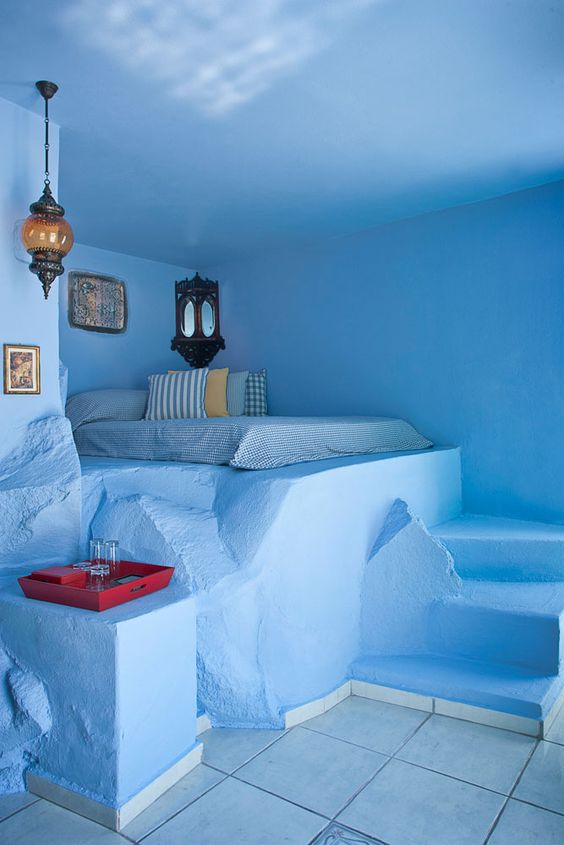 Santorini cave house - Ioanna's Notebook
