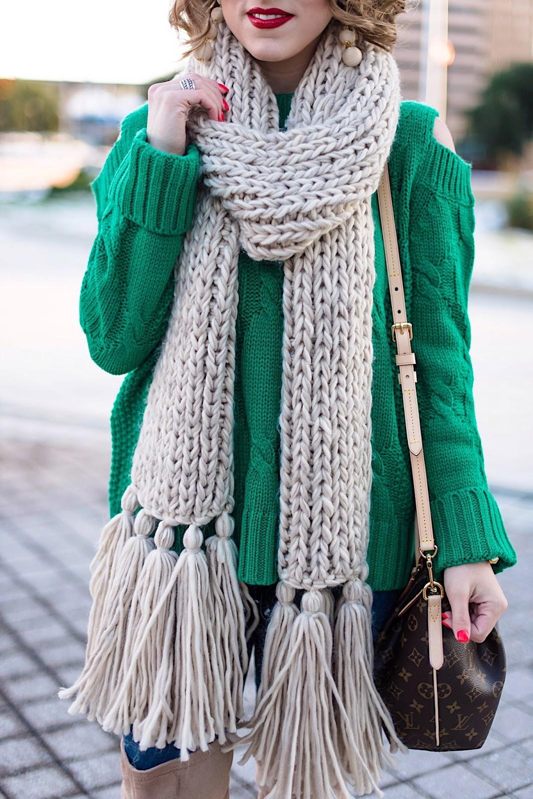 Winter Fashion: Chunky Knit Scarf - Something Delightful Blog