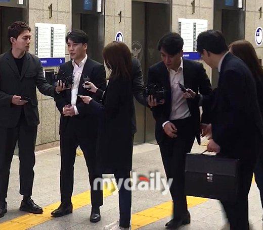 Seungri karakolda 9 saatlik bir sorguyu tamamladı