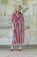 http://www.karyn.pl/2018/07/duga-sukienka-w-pasy-i-czerwone-szpilki.html