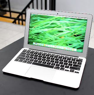 MacBook Air Core i5 (11.6 Inch, Early 2014) Di Malang