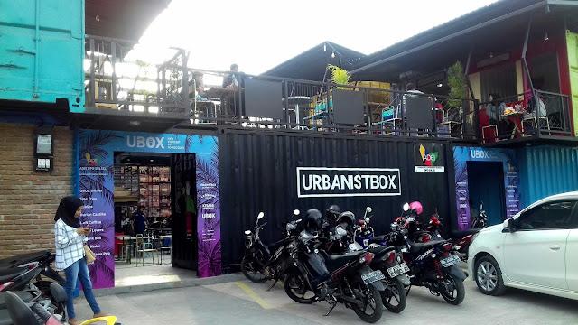 Tampak Luar Urbanistbox Cafe