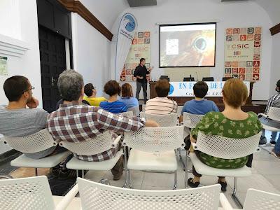 """Conferencia: """"Aves y mosquitos, transmisión de patógenos aviares por insectos  vectores"""". Por Josué Martínez de la Puente, 3 de Mayo 2016. Grupo Local SEO-Sevilla."""