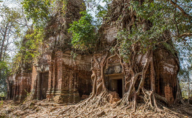 Xvlor.com Koh Ker is ruins of Khmer Empire capital built by King Jayavarman IV