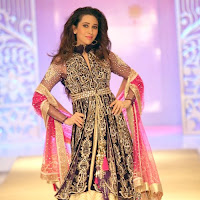 Karisma Kapoor Walks the Ramp at ABIL Pune Fashion Week
