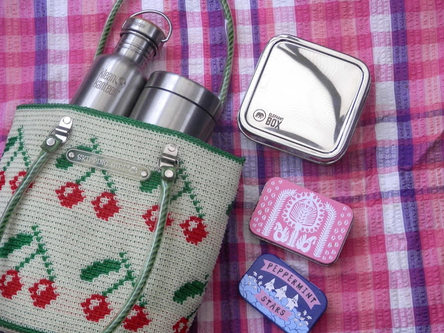 My plastic free lunch box. Stainless steel lunch boxes and containers.  From UK eco blogger secondhandsusie.blogspot.com #plasticfree #stainlesssteel #plasticfreelunchbox #plasticfreelunchkit #ecofriendly #ecolunchbox