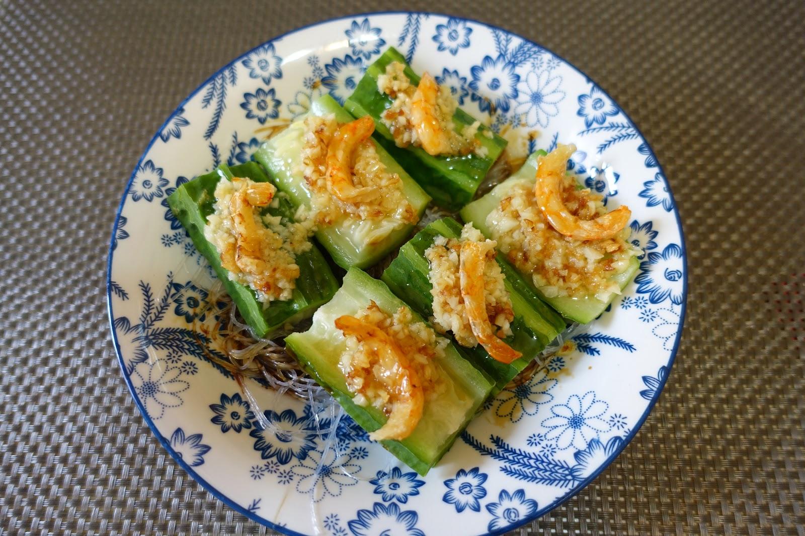 小安琪~ ~因為喜歡吃。想同大家分享些簡單、容易、方便、又味美之食譜 哈~ ~: 蒜香蝦干蒸勝瓜