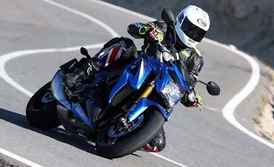 2016 Suzuki GSX-S1000 side view HD Images