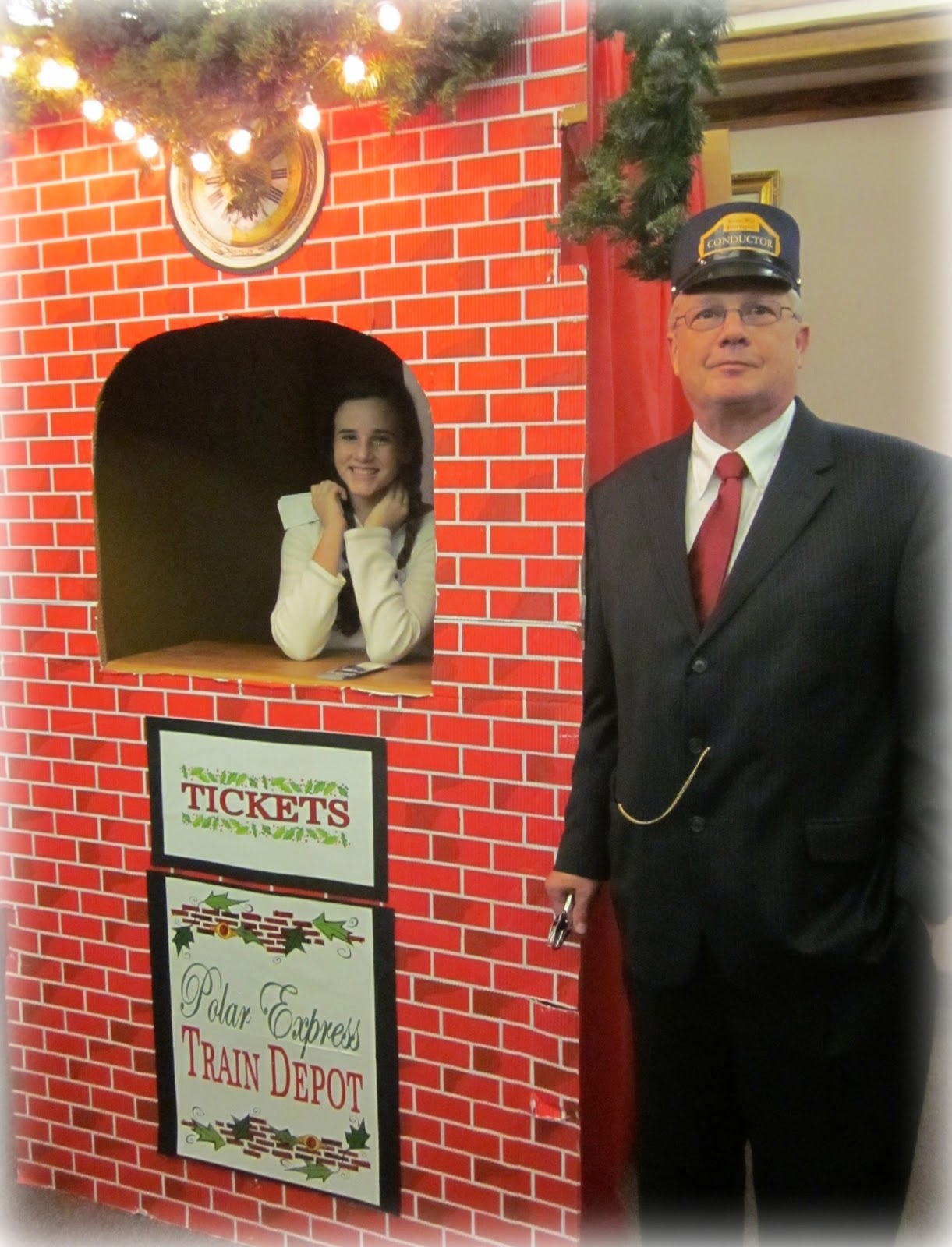 http://www.michellelunt.com/2012/12/our-polar-express-church-christmas-party.html
