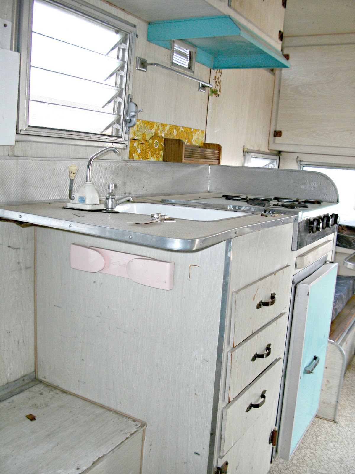 My Vintage Trailer A Tour Before The Renovation Little