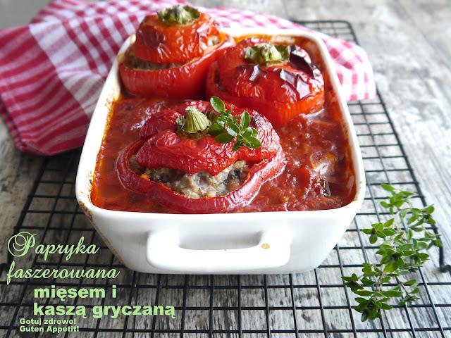 Papryka faszerowana mięsem z indyka i kaszą gryczaną w sosie pomidorowym - Czytaj więcej »