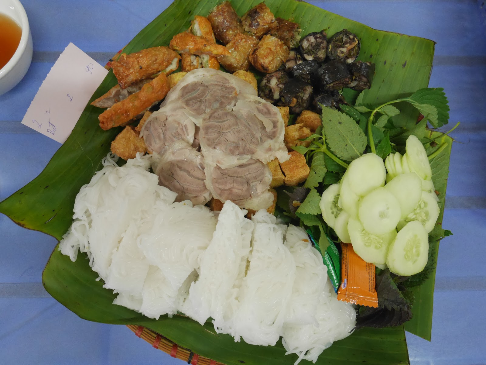 Super deliciousVietnamese mixed platter, Hanoi Old Quarter