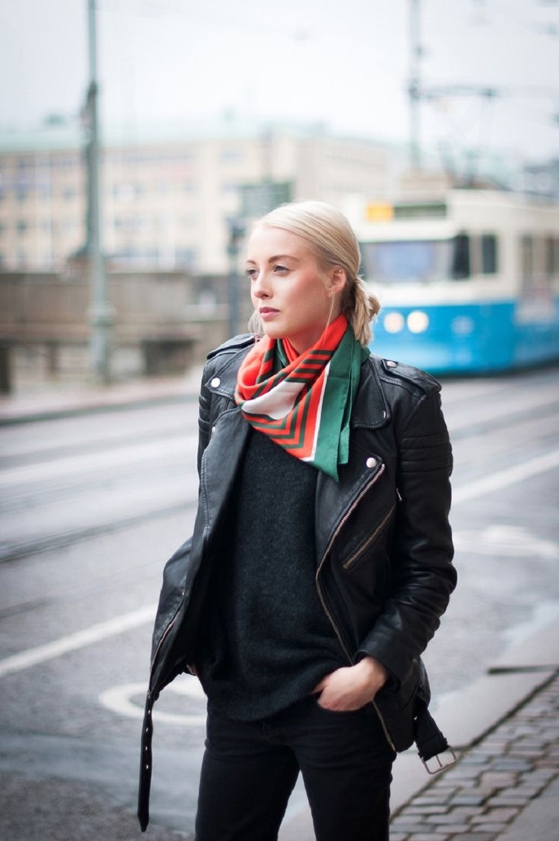 Seven Ways To Wear A Neck Scarf The Fashion Blogger Way